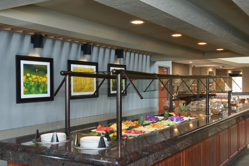 DoubleTree by Hilton Hotel Fresno Convention Center-Breakfast at International Café<br/>Image from Leonardo