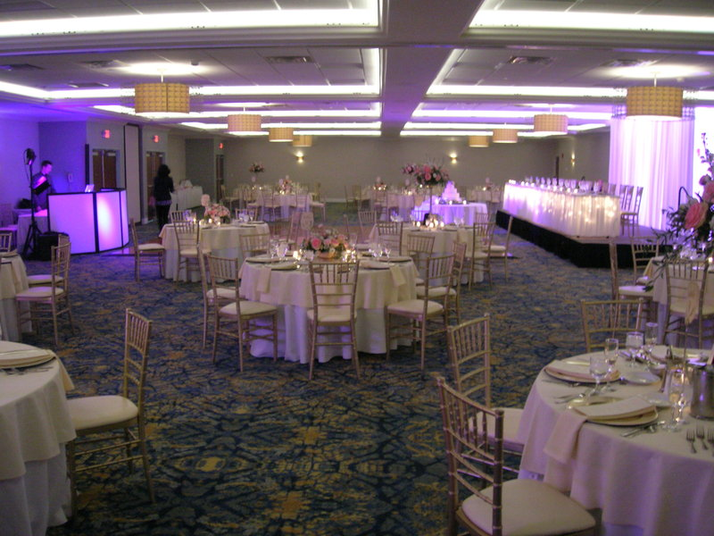Crowne Plaza Hotel & Suites Pittsburgh South-Ballroom<br/>Image from Leonardo