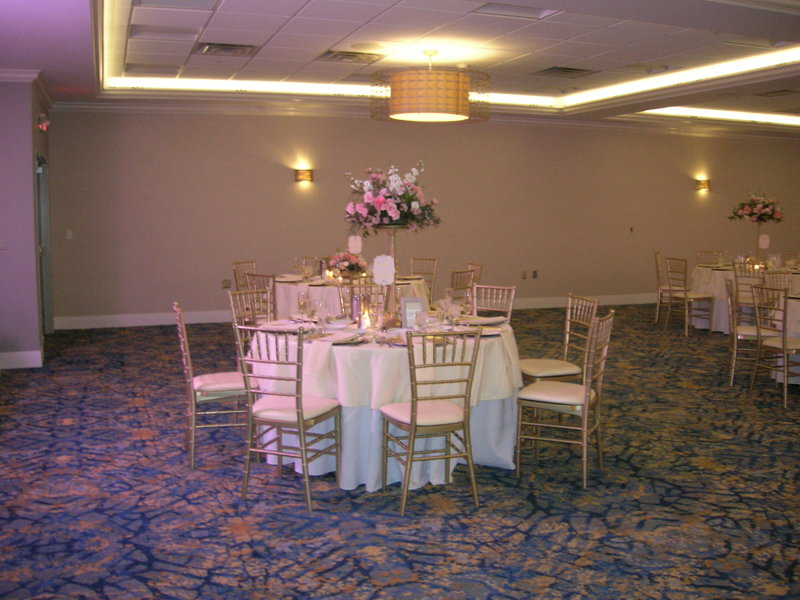 Crowne Plaza Hotel & Suites Pittsburgh South-Table With Chiavari Chairs<br/>Image from Leonardo