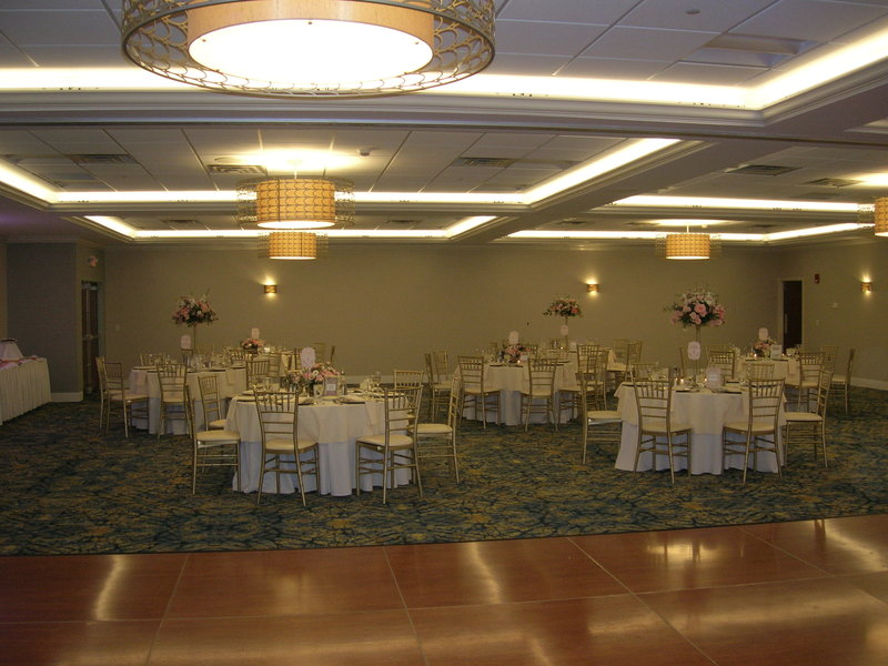 Crowne Plaza Hotel & Suites Pittsburgh South-New Ballroom<br/>Image from Leonardo