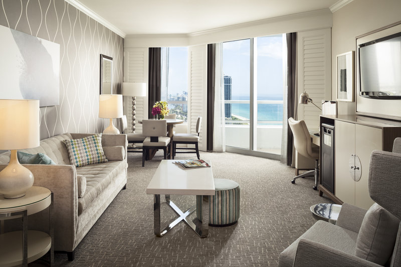 Fontainebleau Miami Beach - Tresor Oceanview One Bedroom Suite <br/>Image from Leonardo