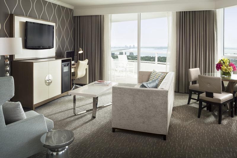Fontainebleau Miami Beach - Tresor Bayview One Bedroom Suite <br/>Image from Leonardo