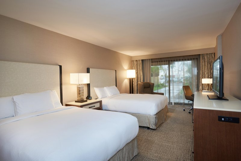 DoubleTree by Hilton Hotel Fresno Convention Center-Accessible Queen guest room<br/>Image from Leonardo