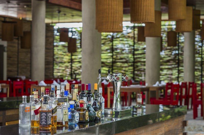 The Explorean Cozumel All Inclusive-Bar<br/>Image from Leonardo