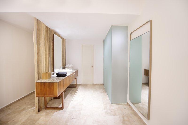 The Explorean Cozumel All Inclusive-Bathroom<br/>Image from Leonardo