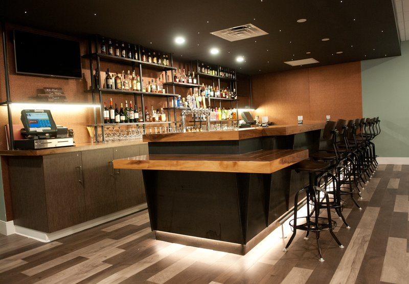 Crowne Plaza Hotel & Suites Pittsburgh South-Gather Bar<br/>Image from Leonardo