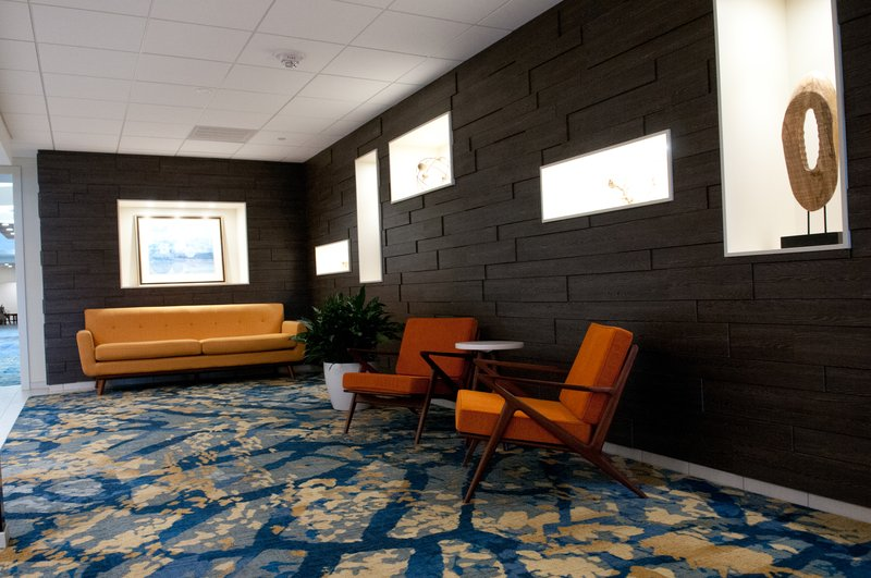 Crowne Plaza Hotel & Suites Pittsburgh South-Sitting Area<br/>Image from Leonardo