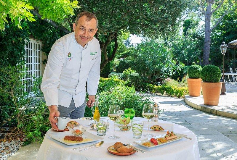 Auberge de Cassagne-Le Chef and the Terrace<br/>Image from Leonardo