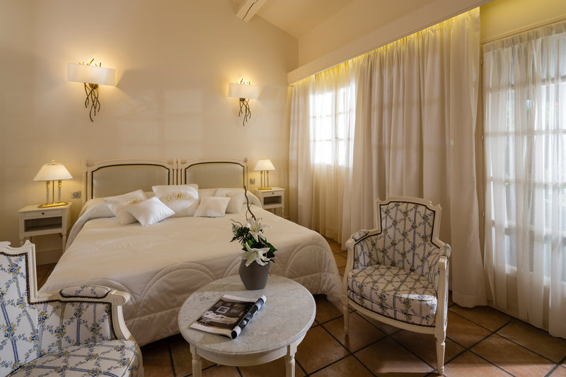 Auberge de Cassagne-Park Room<br/>Image from Leonardo