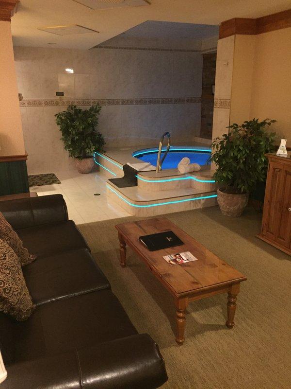 Best Western Fireside Inn-Suite of the Northern Lights<br/>Image from Leonardo