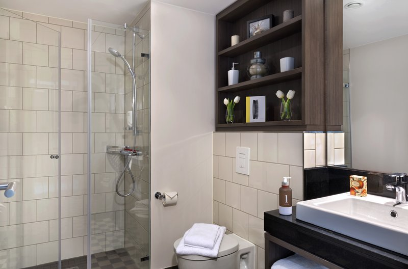 Citadines Michel Hamburg-Bathroom of 2-bedroom apartment, Citadines Michel Hamburg<br/>Image from Leonardo