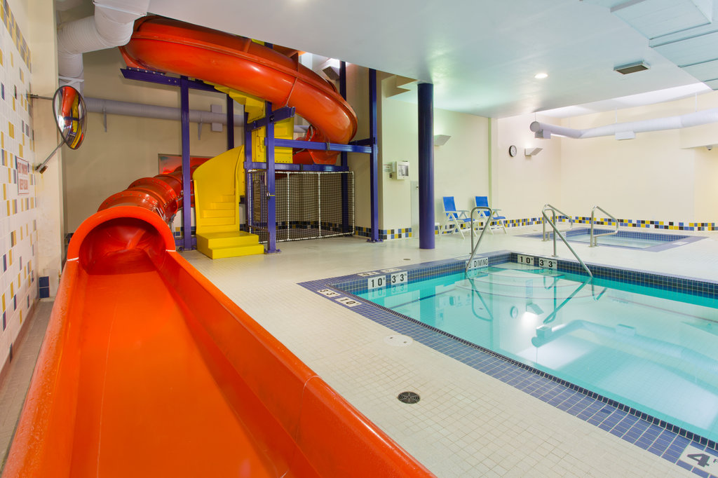 Holiday Inn Express & Suites Courtenay Comox Valley SW-Swimming Pool with water slides<br/>Image from Leonardo