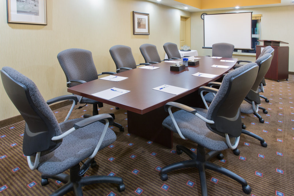 Holiday Inn Express & Suites Courtenay Comox Valley SW-Boardroom<br/>Image from Leonardo