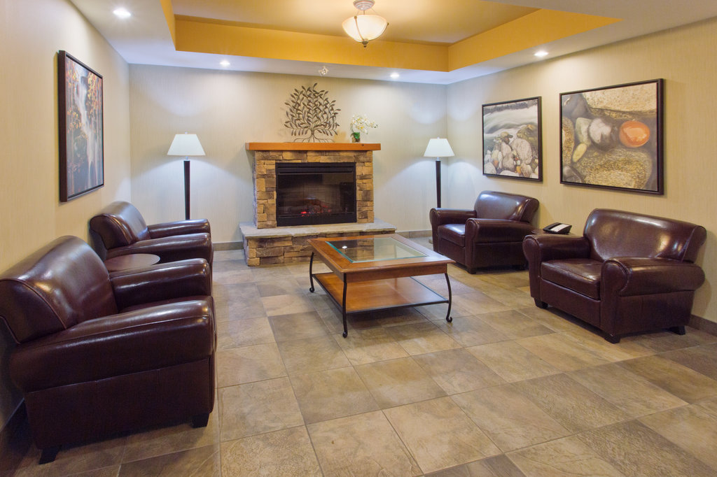 Holiday Inn Express & Suites Courtenay Comox Valley SW-Hotel Lobby<br/>Image from Leonardo