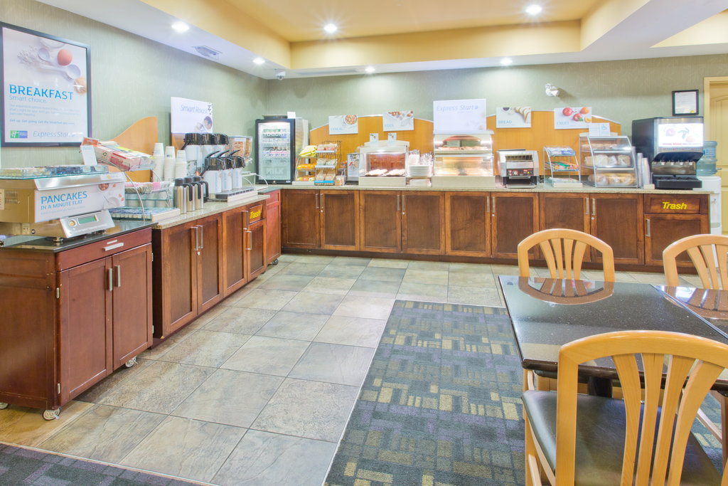 Holiday Inn Express & Suites Courtenay Comox Valley SW-Breakfast Bar<br/>Image from Leonardo