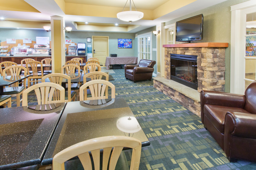 Holiday Inn Express & Suites Courtenay Comox Valley SW-Breakfast Area<br/>Image from Leonardo
