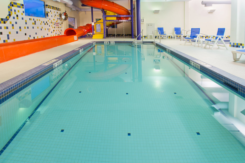 Holiday Inn Express & Suites Courtenay Comox Valley SW-Swimming Pool<br/>Image from Leonardo