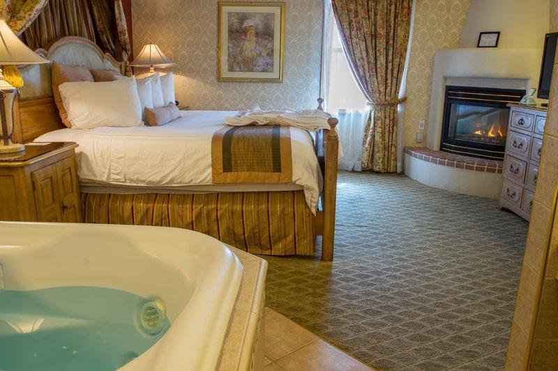 Best Western Fireside Inn-The Renaissance Suite Bedroom<br/>Image from Leonardo