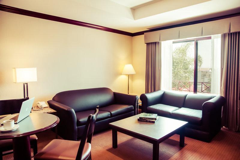 Gamma De Fiesta Inn Tijuana Otay-Master Suite<br/>Image from Leonardo