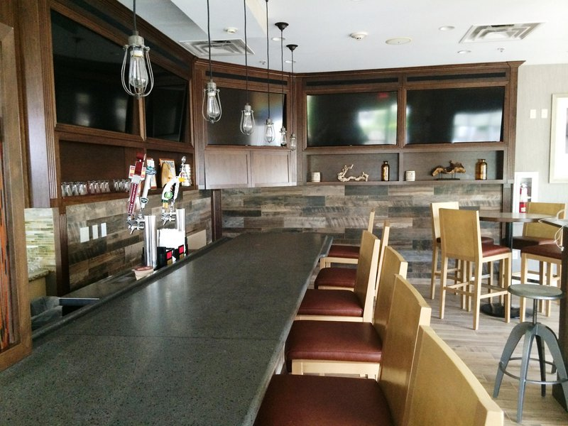 Hilton Garden Inn Riverhead-Bar<br/>Image from Leonardo