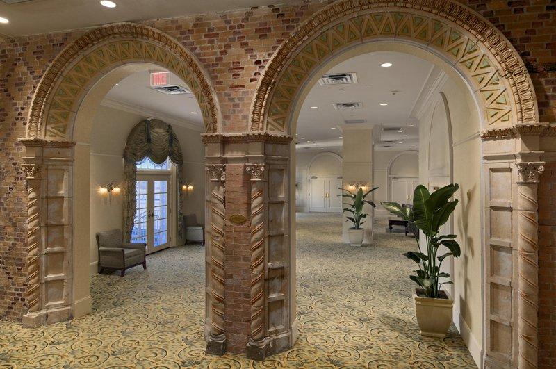 Hilton Baton Rouge Capitol Center-1927 Arches<br/>Image from Leonardo