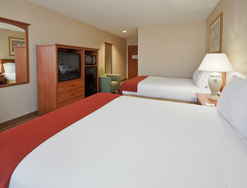 Holiday Inn Express & Suites Carson City-Double Bed Guest Room<br/>Image from Leonardo