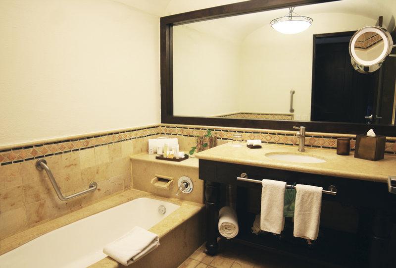 Grand Fiesta Americana Los Cabos All Inclusive - Bathroom <br/>Image from Leonardo