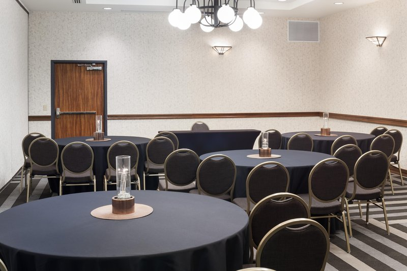 Embassy Suites by Hilton Anchorage-Opportunity meeting room<br/>Image from Leonardo