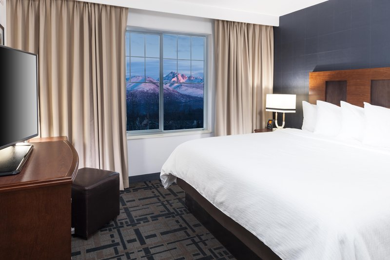 Embassy Suites by Hilton Anchorage-King Suite with Mountain view<br/>Image from Leonardo