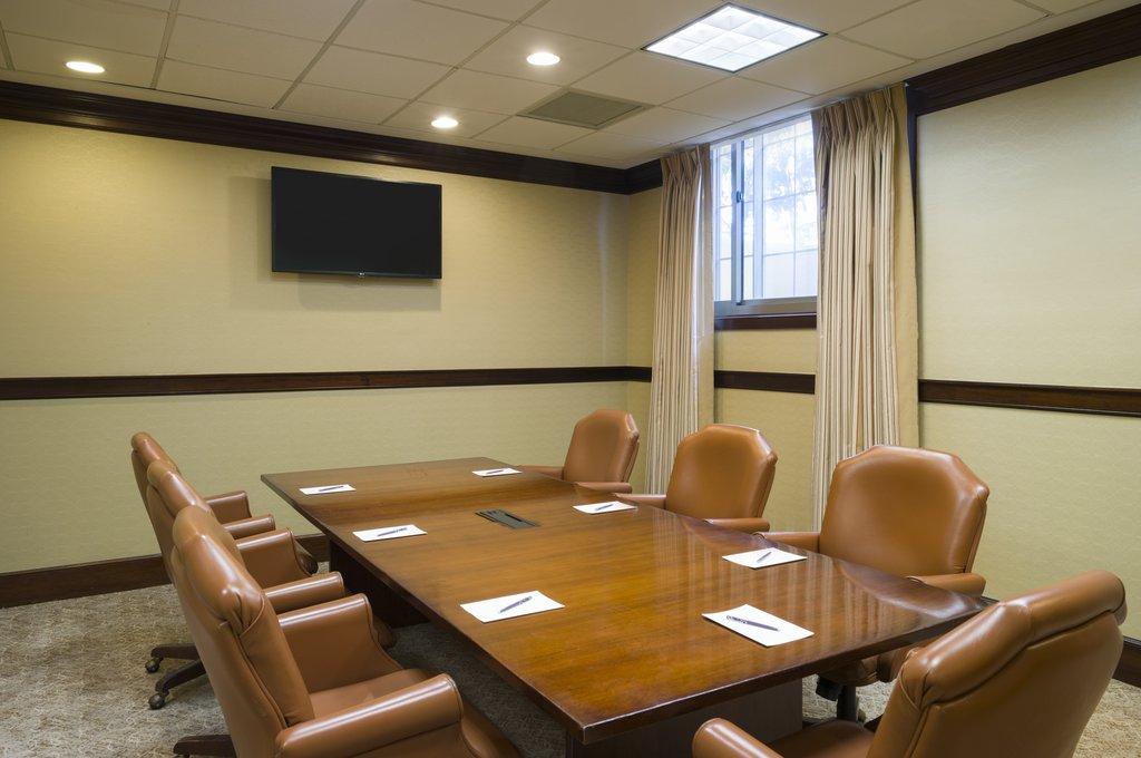 Sheraton JFK Airport Hotel-Meeting Room<br/>Image from Leonardo