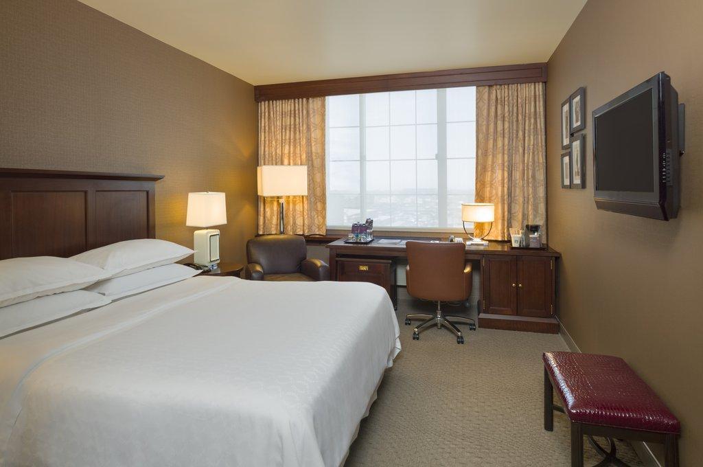 Sheraton JFK Airport Hotel-King Guestroom<br/>Image from Leonardo