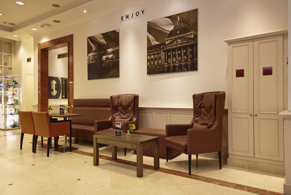 Holiday Inn Brussels - Schuman-Hotel Lobby Holiday Inn Brussels Schuman<br/>Image from Leonardo