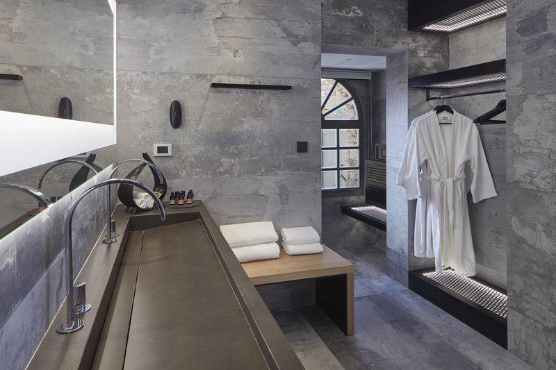Poseidon Hotel-Bathroom Ilios Suite Private Pool<br/>Image from Leonardo