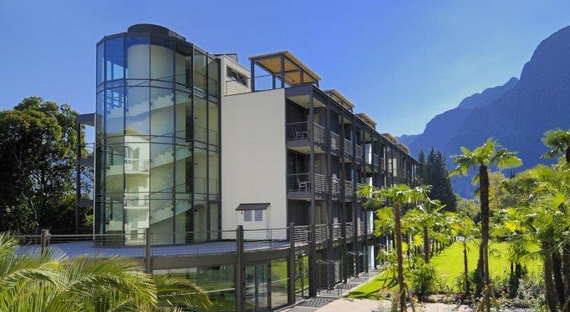 Hotel Du Lac et Du Parc-Exterior<br/>Image from Leonardo