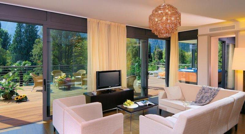 Hotel Du Lac et Du Parc-Guestroom<br/>Image from Leonardo