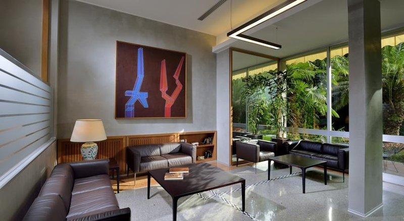 Hotel Du Lac et Du Parc-Lobby<br/>Image from Leonardo