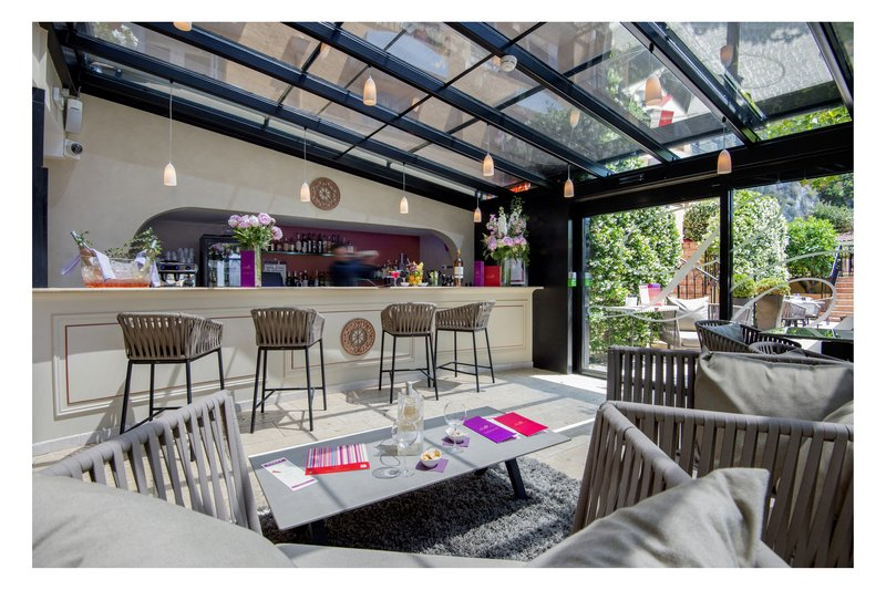 La Perouse Hotel-Bar<br/>Image from Leonardo