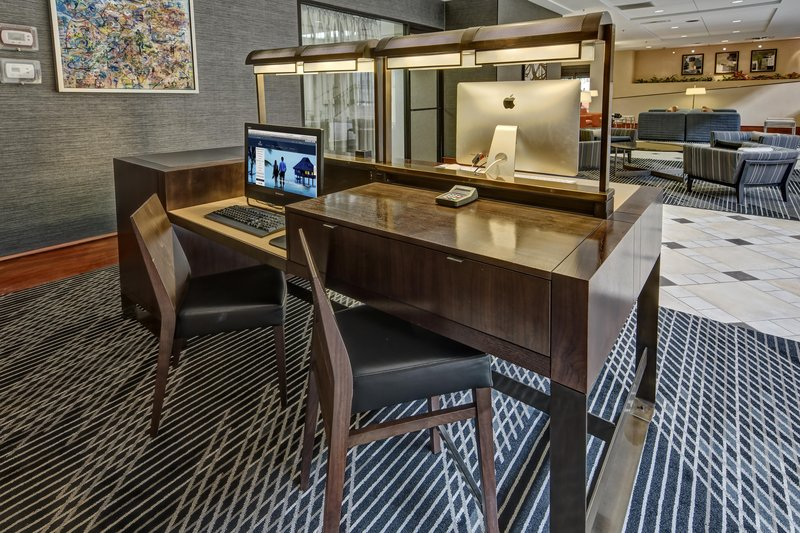 Hilton Knoxville Airport, TN-Business Center<br/>Image from Leonardo