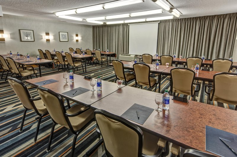 Hilton Knoxville Airport, TN-Meeting Room<br/>Image from Leonardo