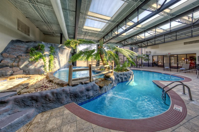 Hilton Knoxville Airport, TN-Indoor Pool<br/>Image from Leonardo