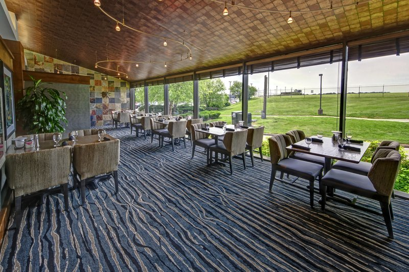 Hilton Knoxville Airport, TN-Restaurant Patio<br/>Image from Leonardo