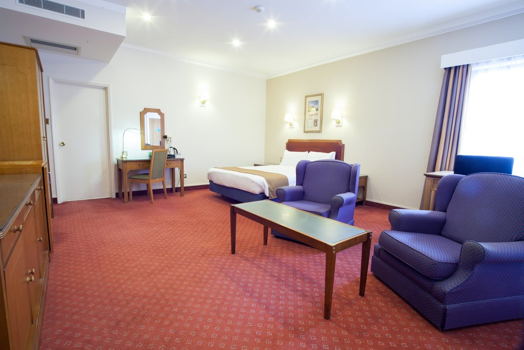 Holiday Inn Corby - Kettering A43-Junior Suite<br/>Image from Leonardo