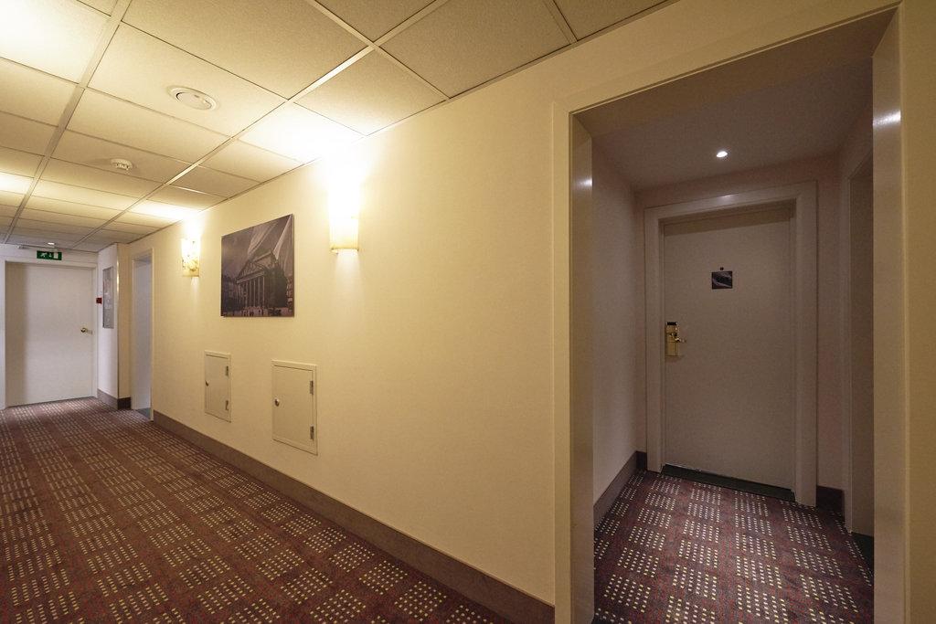 Holiday Inn Brussels - Schuman-Hallway Holiday Inn Brussels-Schuman<br/>Image from Leonardo