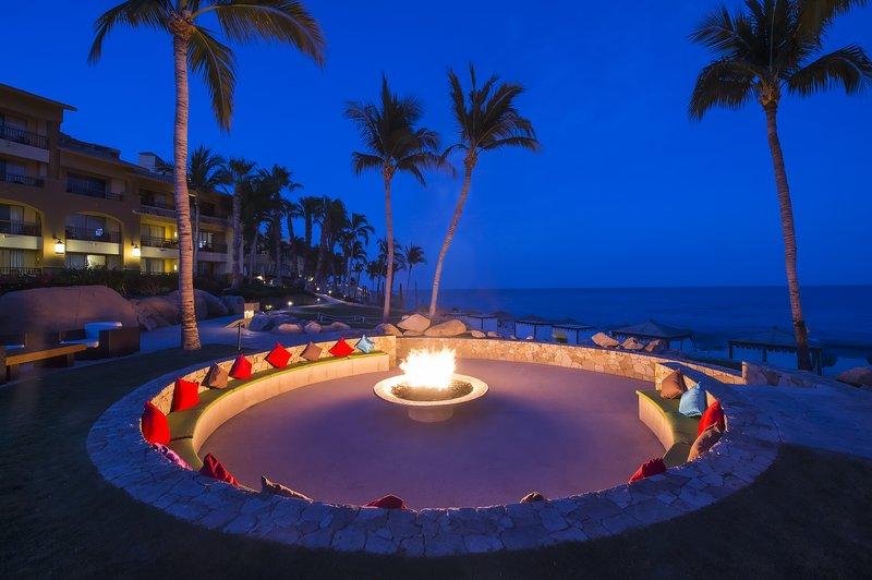 Grand Fiesta Americana Los Cabos All Inclusive - Tapas Bar & Fire Pit <br/>Image from Leonardo