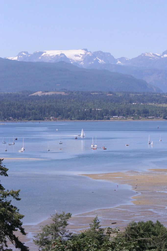 Holiday Inn Express & Suites Courtenay Comox Valley SW-Comox harbour<br/>Image from Leonardo