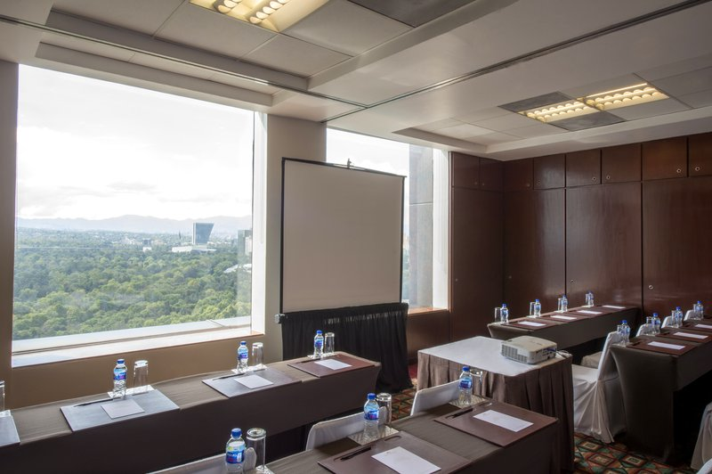 Grand Fiesta Americana Chapultepec-Meeting Room<br/>Image from Leonardo