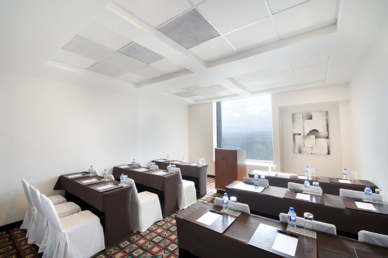 Grand Fiesta Americana Chapultepec-Meeting Room 2<br/>Image from Leonardo