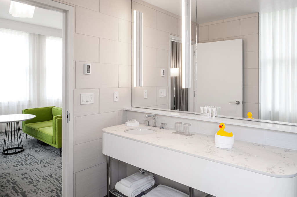 21c Museum Hotel Lexington-Guest Bath<br/>Image from Leonardo