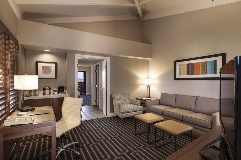 Pointe Hilton Tapatio Cliffs - Standard King Living Room <br/>Image from Leonardo
