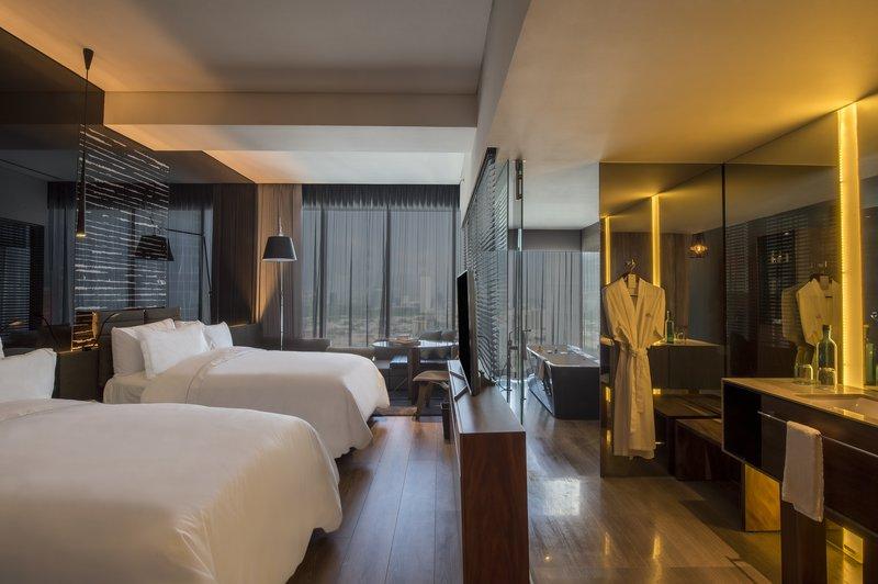 Live Aqua Urban Resort Monterrey-Deluxe Room, 2 Double<br/>Image from Leonardo